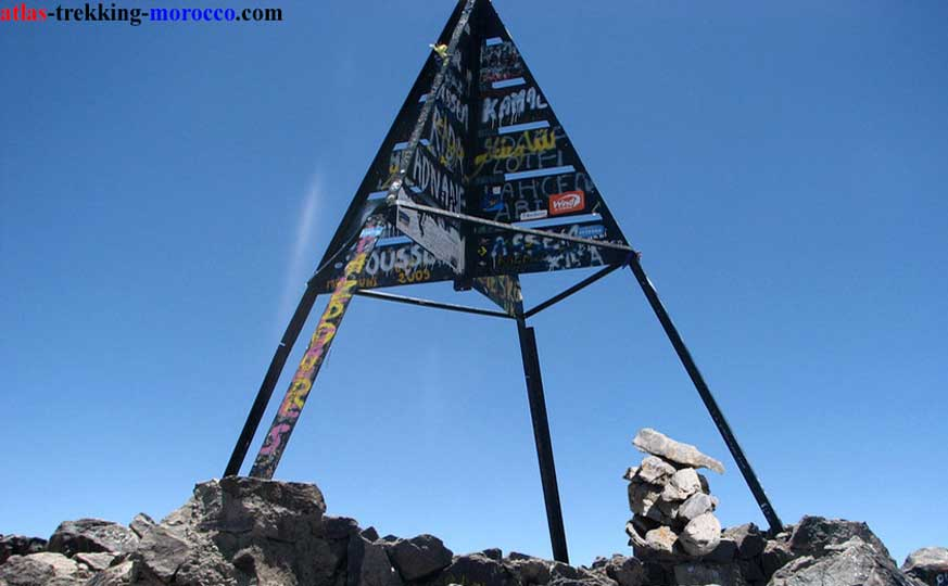 trekking-in-morocco-atlas-mountains-hike