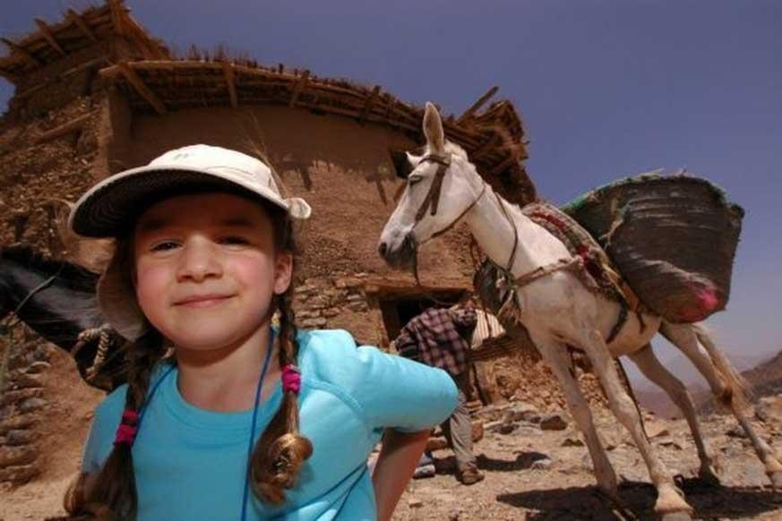 family-trekking-tour-happy-valley
